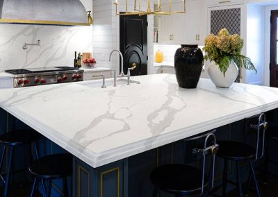 Calacatta Luccia Quartz Kitchen Countertop